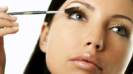 5 trucos para delinear tus ojos que no sabias