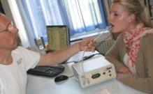Prueba de Halimeter en una consulta odontológica
